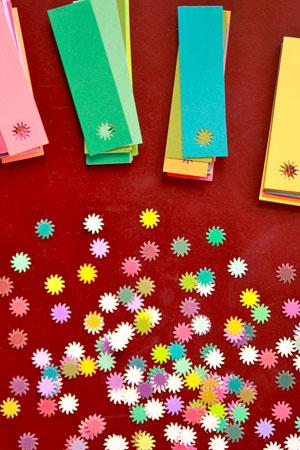 guirlandes aux couleurs acidulées