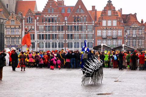 carnaval 2013 sur la place à tournai
