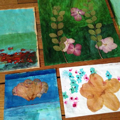 fleurs séchées et peinture