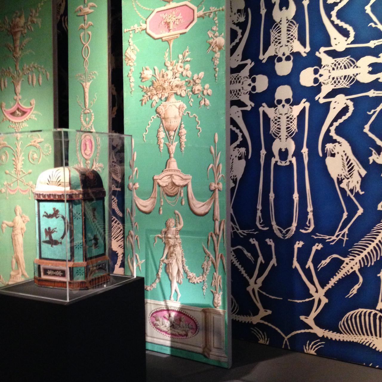 exposition faire le mur aux mus e des arts d coratifs. Black Bedroom Furniture Sets. Home Design Ideas