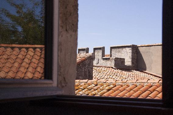 vue toits à Arles - photo vacances Sophie Plouvier
