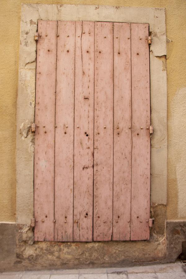 volet rose - photo vacances Sophie Plouvier