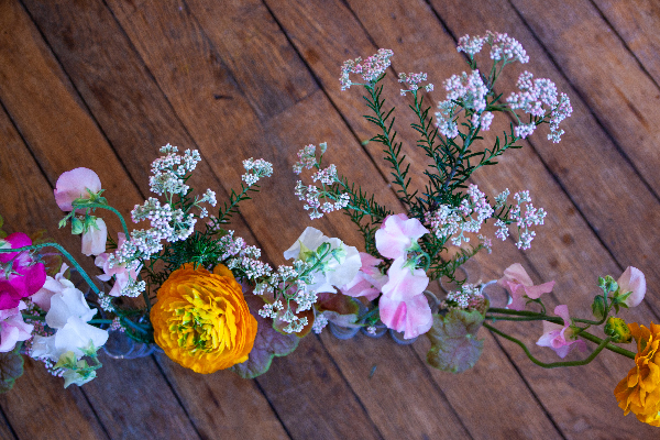 bouquet de fleurs dans vase d'avril-photo Sophie Plouvier
