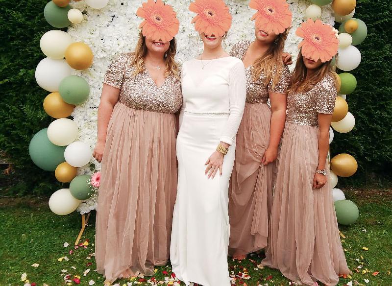 photo la mariée et ses filles d'honneur